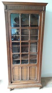 Bonnetière ancienne vitrée
